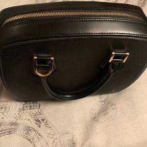 Louis Vuitton Bags - Louie Vuitton satchel bag